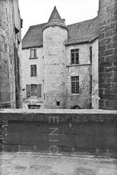 Sarlat_La_Vielle_Black_and_White_Photo_001.jpg