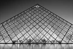 Paris_Le_Louvre_black_and_white_photos_012.jpg