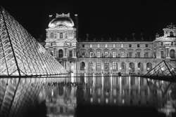 Paris_Le_Louvre_black_and_white_photos_020.jpg