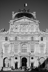 Paris_Le_Louvre_black_and_white_photos_022.jpg