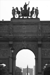 Paris_Le_Louvre_black_and_white_photos_029.jpg