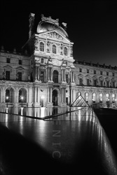 Paris_Le_Louvre_black_and_white_photos_031.jpg