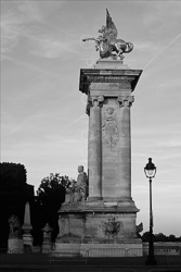 Paris_Statues_and_Sculptures_Black_and_White_Photos_001.jpg