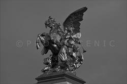Paris_Statues_and_Sculptures_Black_and_White_Photos_006.jpg