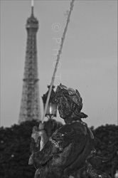 Paris_Statues_and_Sculptures_Black_and_White_Photos_021.jpg