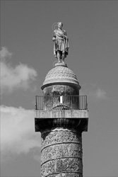 Paris_Statues_and_Sculptures_Black_and_White_Photos_022.jpg