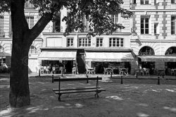 Paris_Streets_and_Buildings_Black_and_White_Photo_007.jpg