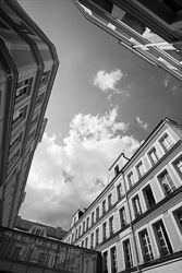 Paris_Streets_and_Buildings_Black_and_White_Photo_008.jpg