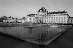 Paris_Streets_and_Buildings_Black_and_White_Photo_018.jpg