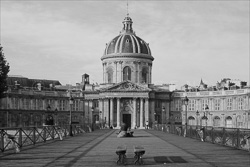Paris_Streets_and_Buildings_Black_and_White_Photo_020.jpg