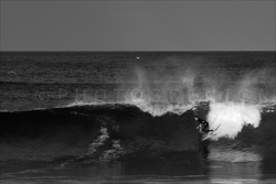 Manly_Beach_Surfing_Black_and_White_Photos_012.jpg