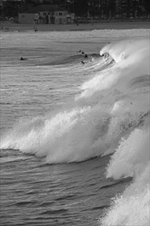Manly_Beach_Surfing_Black_and_White_Photos_022.jpg