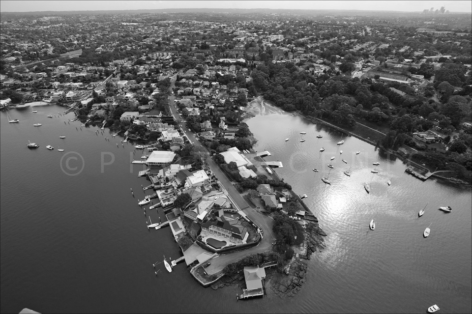 Sydney_from_helicopter_bw_009.jpg