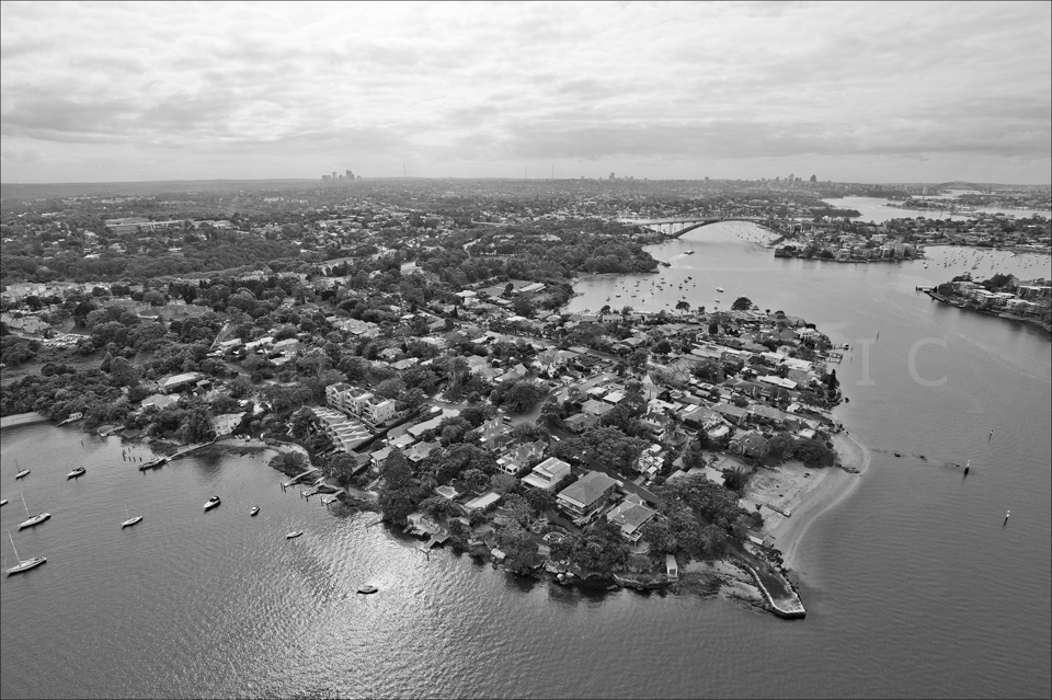 Sydney_from_helicopter_bw_010.jpg