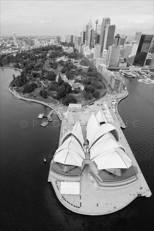 Sydney_from_helicopter_bw_030.jpg