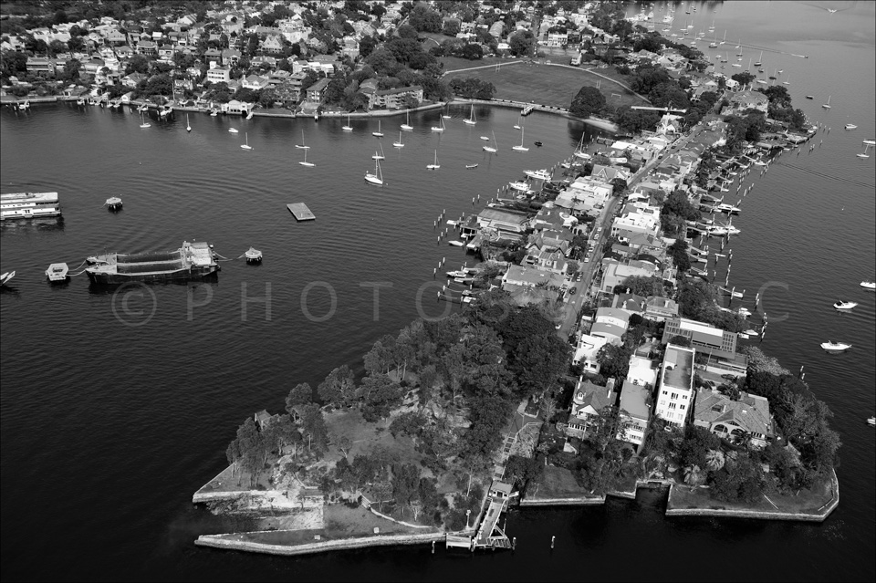 Sydney_from_helicopter_bw_036.jpg