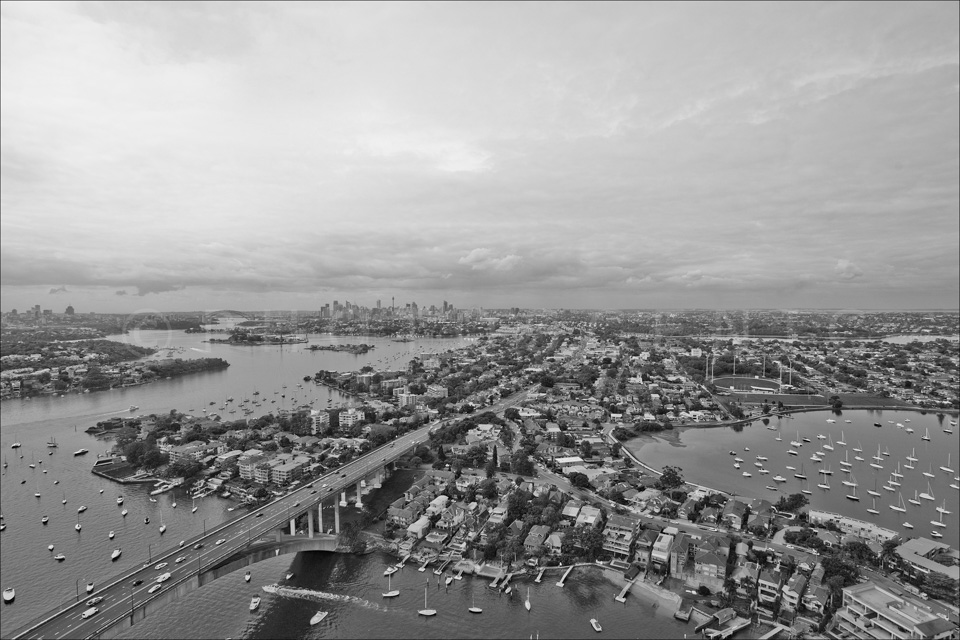 Sydney_from_helicopter_bw_046.jpg