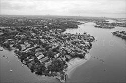 Sydney_from_helicopter_bw_011.jpg