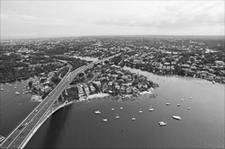 Sydney_from_helicopter_bw_013.jpg