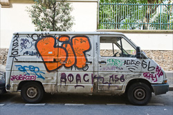 Graffitti_in-France_Colour_Photos_001.jpg