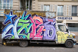 Graffitti_in-France_Colour_Photos_002.jpg