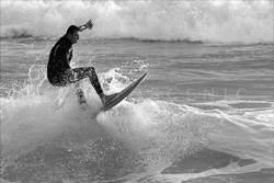 Manly_Beach_Surfing_Black_and_White_Photos_032.jpg